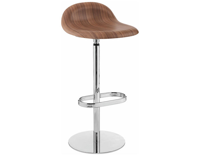 gubi 3d swivel base wood stool