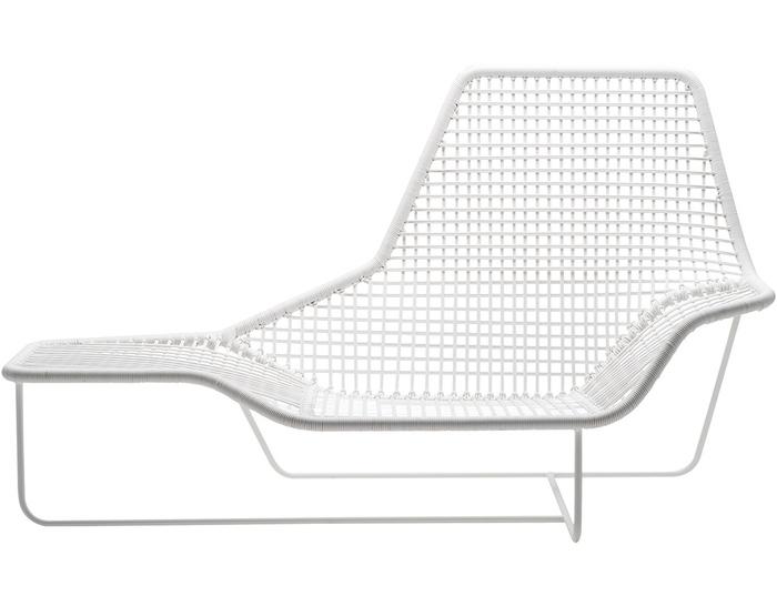 lama outdoor lounge chair