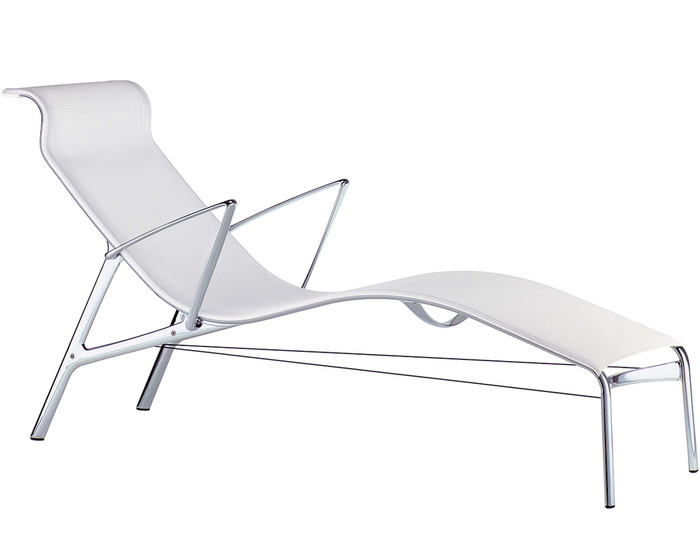 longframe chaise with arms