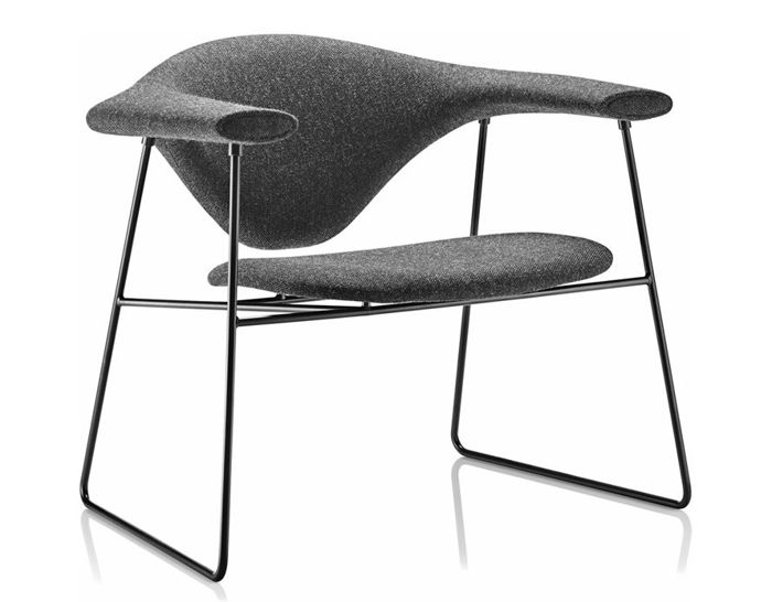 masculo lounge chair with sled base