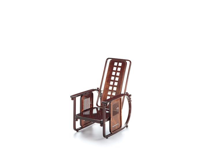 miniature sitting machine