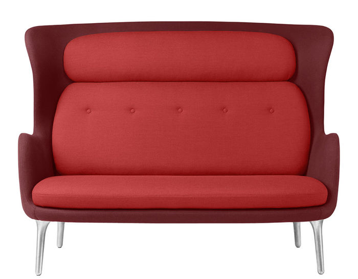 ro™ sofa with metal base