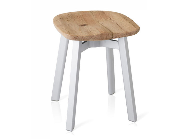 su small stool with wood seat