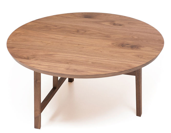trio round coffee table with wood top 754m